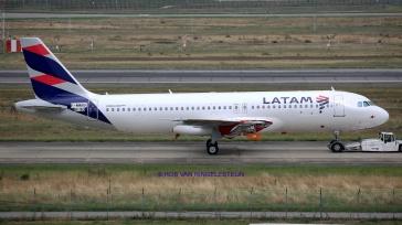 9190_F-WWBB_A320_LATAM-A_resize