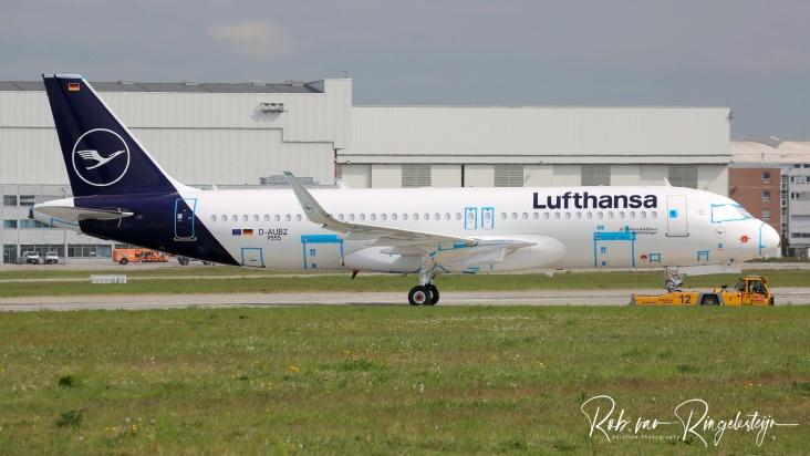 9555-D-AUBZ_A320_LUFTHANSA-B_resize